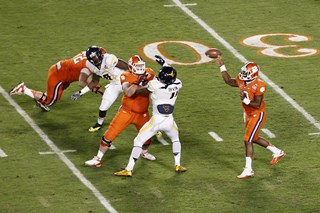 2012_Discover_Orange_Bowl_Game_-_Joel_Auerbach_036