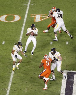 2012_Discover_Orange_Bowl_Game_-_Joel_Auerbach_101