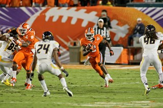 2012_Discover_Orange_Bowl_Game_-_Polo_4
