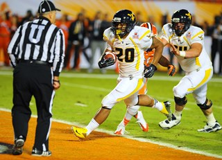 2012_Discover_Orange_Bowl_Game_-_Raul_3