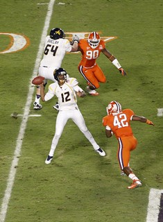 2012_Discover_Orange_Bowl_Game_-_Joel_Auerbach_039