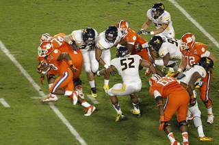 2012_Discover_Orange_Bowl_Game_-_Joel_Auerbach_041