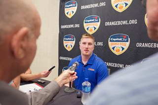 Florida_Offense_Press_Conference_(1)